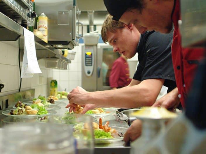 Kulinarisches Halbpension Vorspeisen Anrichten
