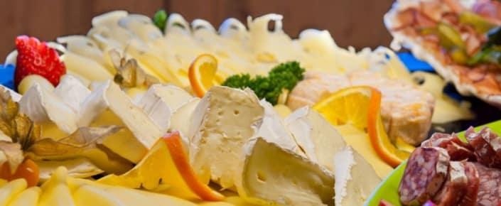 Alm-Kulinarik Frühstück - Käseplatte